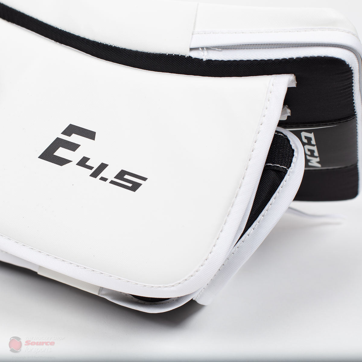 CCM Extreme Flex E4.5 Senior Goalie Blocker - Source Exclusive