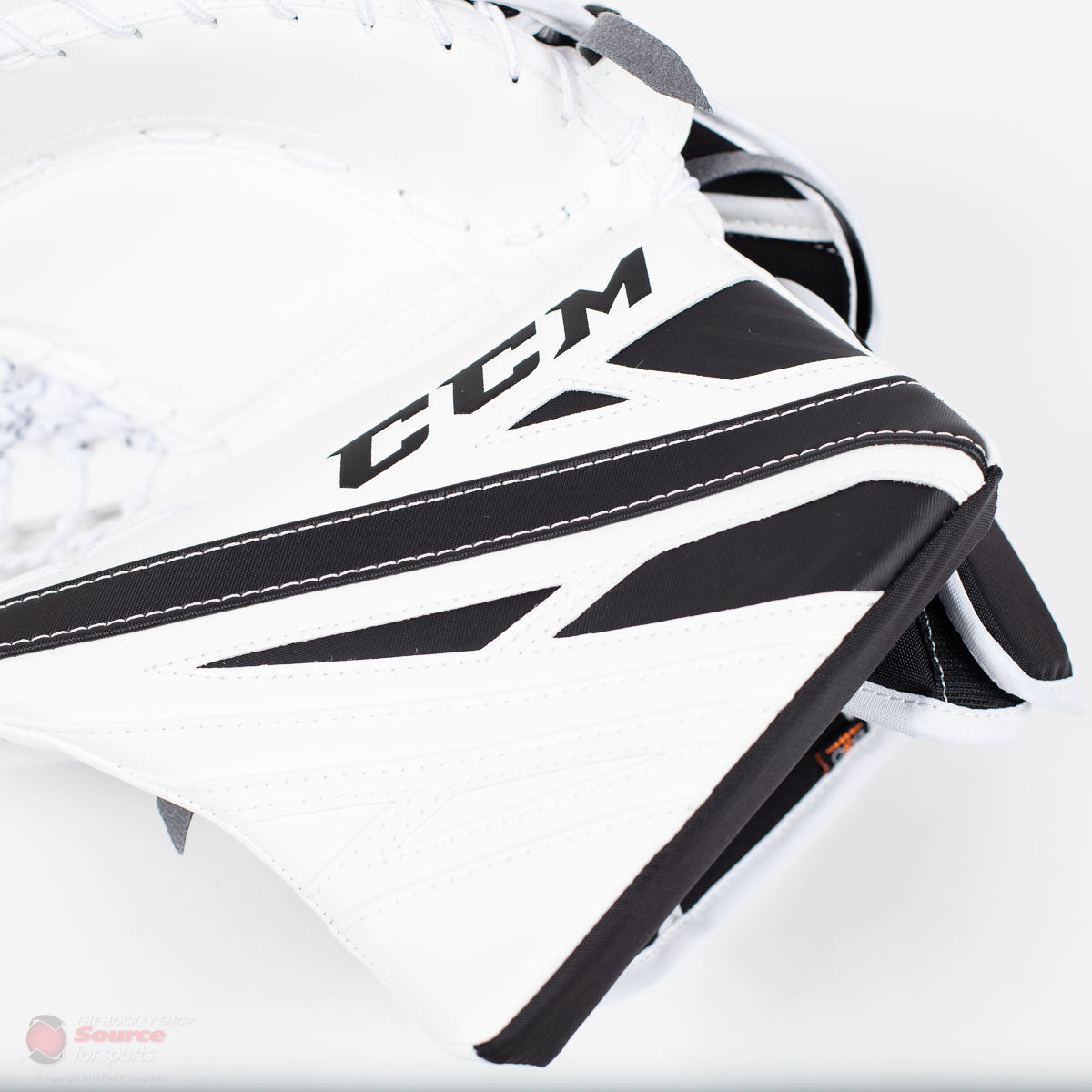 CCM Extreme Flex E4.9 Intermediate Goalie Catcher - Source Exclusive