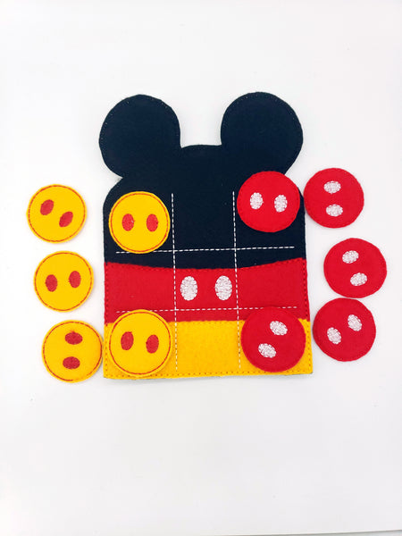 Mouse felt tic tac toe set