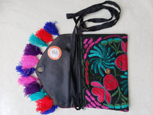 Load image into Gallery viewer, Como la Flor Bodycross Clutch
