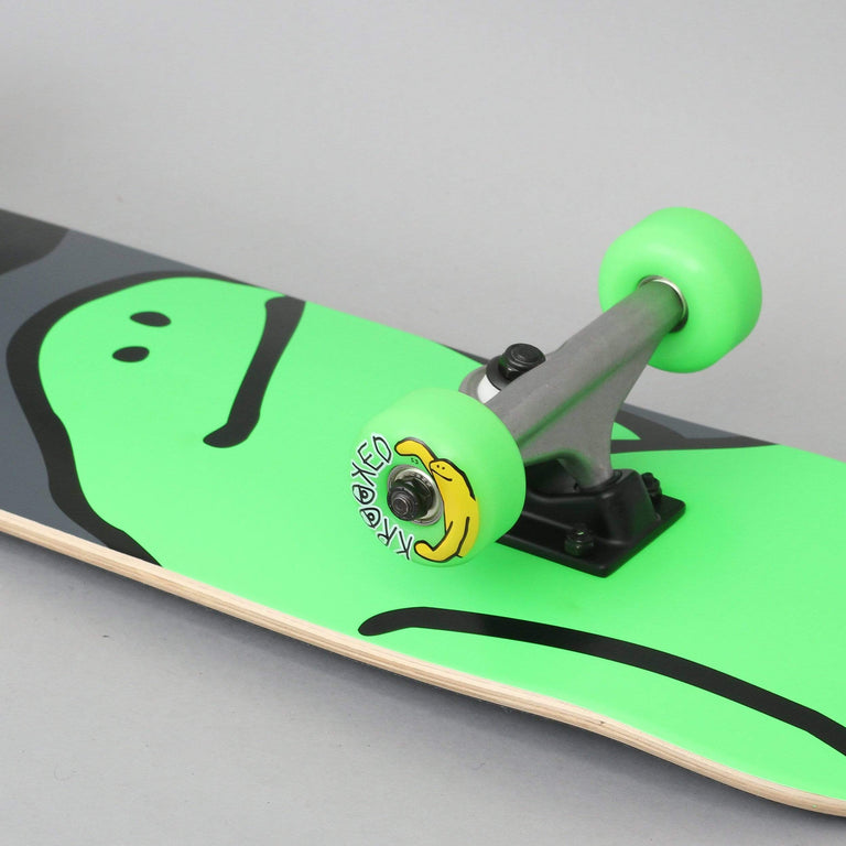 Krooked 7.3 Team Shmoo Complete Skateboard Green