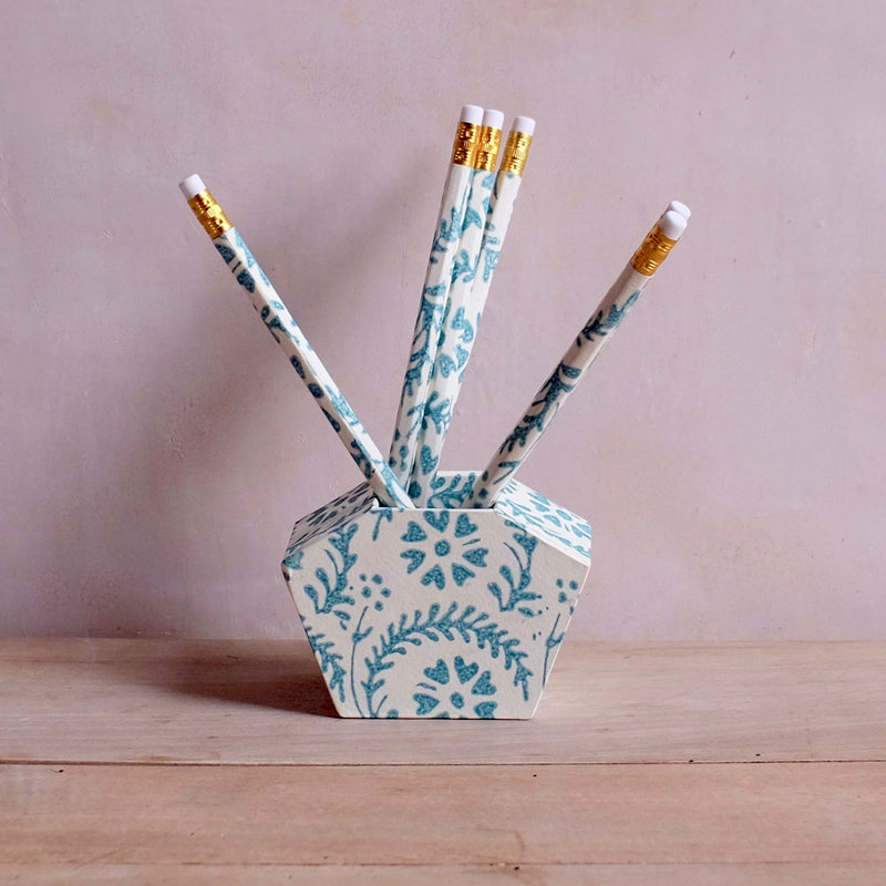 Pencil Well, Teal Heart Flower