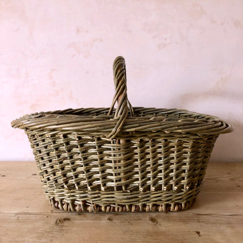 Oval Hand Woven English Willow Basket with Handle, Medium