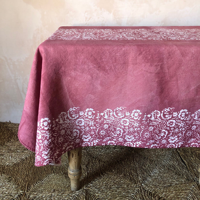 Fleure Sauvage Linen Table Cloth (Raspberry)