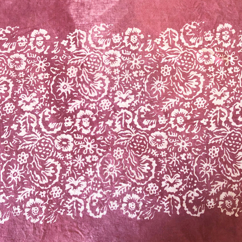 Fleure Sauvage Linen Tablecloth (Raspberry)