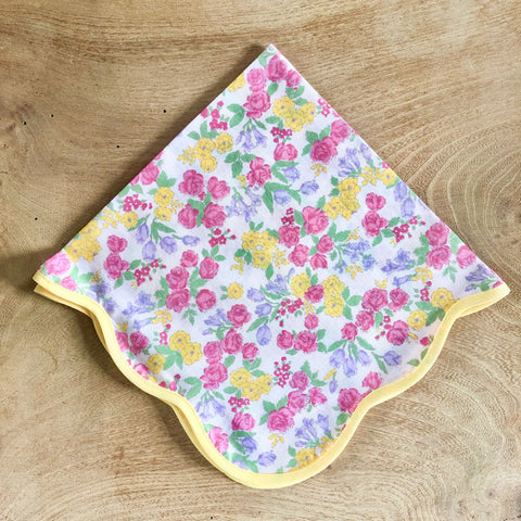Scalloped Floral Napkins, Set of 2