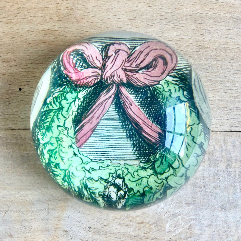Ribboned Wreath, Dome Paperweight
