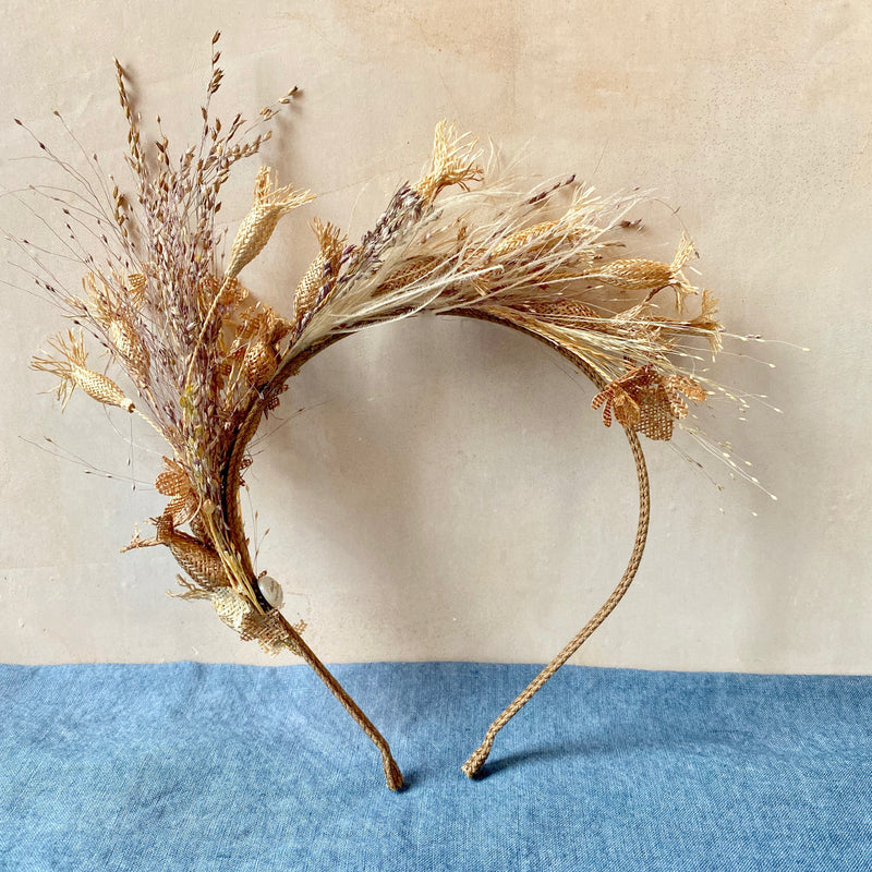 Straw Tiara, Pillywiggin Herbes Folles
