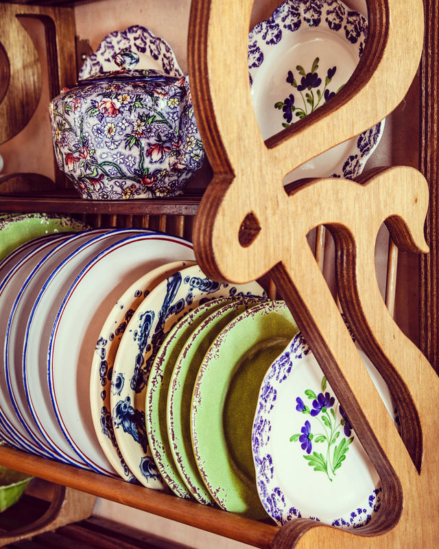 """Gothic"" Plate Rack"