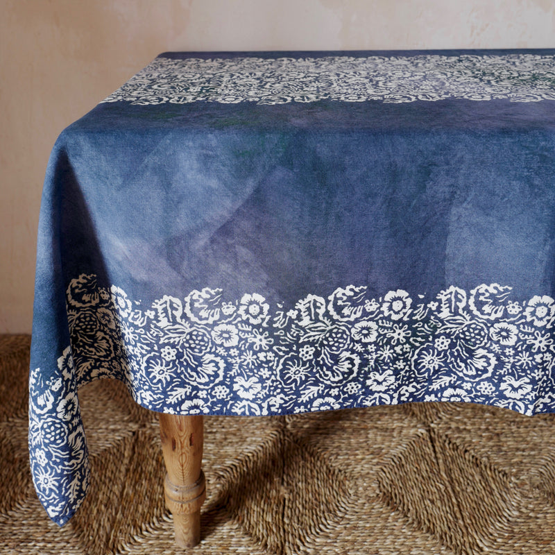 Fleure Sauvage Linen Tablecloth (Blue)