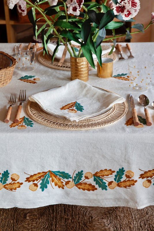 Quercina Linen Tablecloth, Oak Leaf and Acorn