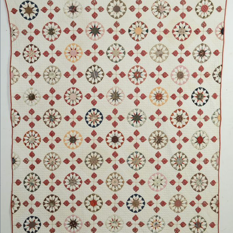 Rising Suns Quilt with Applique: Circa 1840; New York