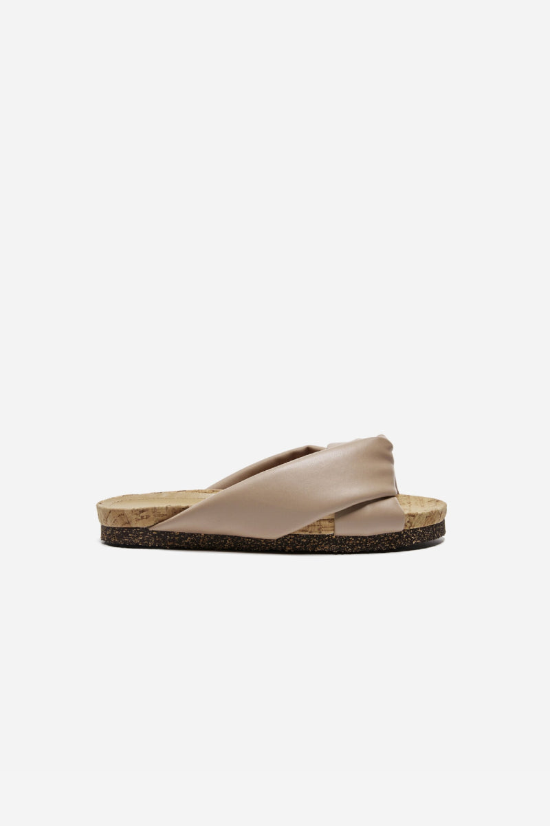 Flattered Lou beige sandals