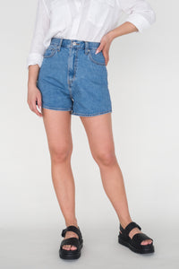 Levi's High Loose naisten shortsit