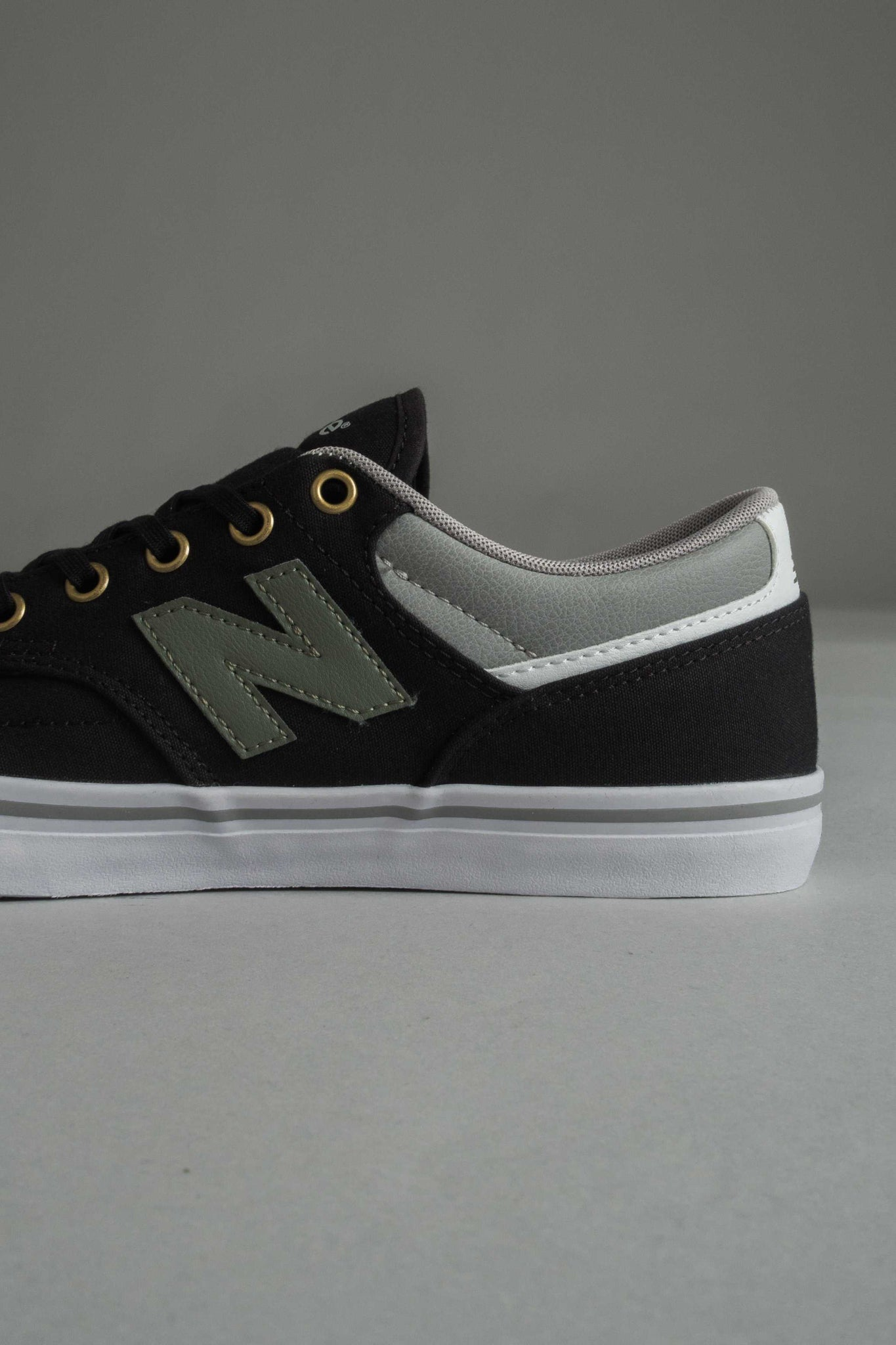 New Balance 331 BLO miesten tennarit | New Balance