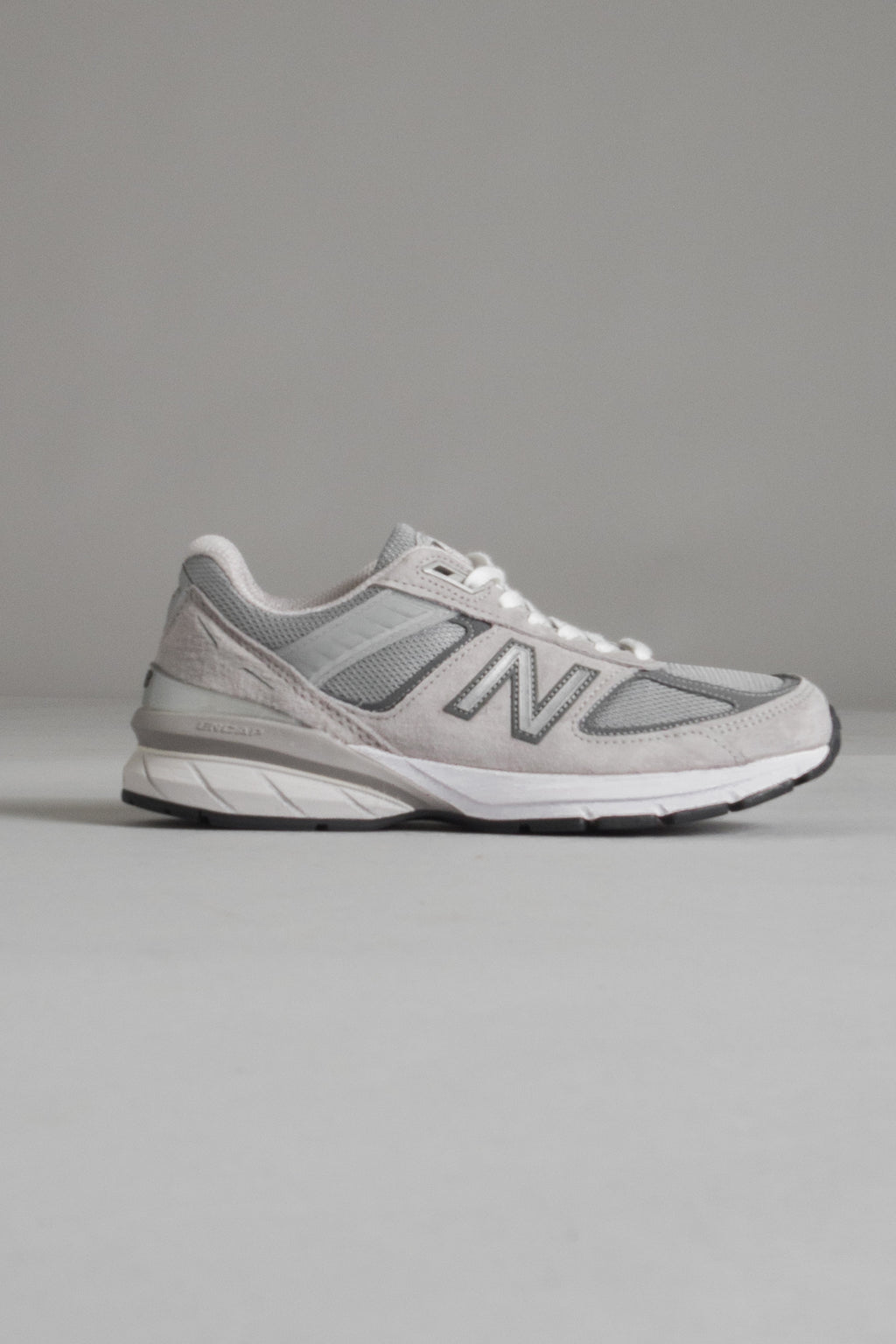 Miesten New Balance 990v5 Made in US - GL5 grey | New Balance