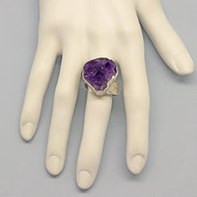 Load image into Gallery viewer, Sterling and Amethyst Geode Ring. size 8 1/2