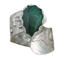 Load image into Gallery viewer, sterling silver ring with malachite gemstone