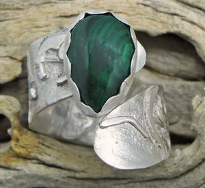 Arizona artisan ring in sterling silver with malachite gemstone
