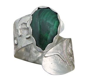 sterling silver ring with malachite gemstone