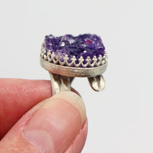Load image into Gallery viewer, view from the side of the amethyst geode sterling ring