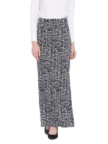 products/black_white_maxi_skirt_e38b36bd-2925-4a30-ab6a-dad971a57b40.jpg
