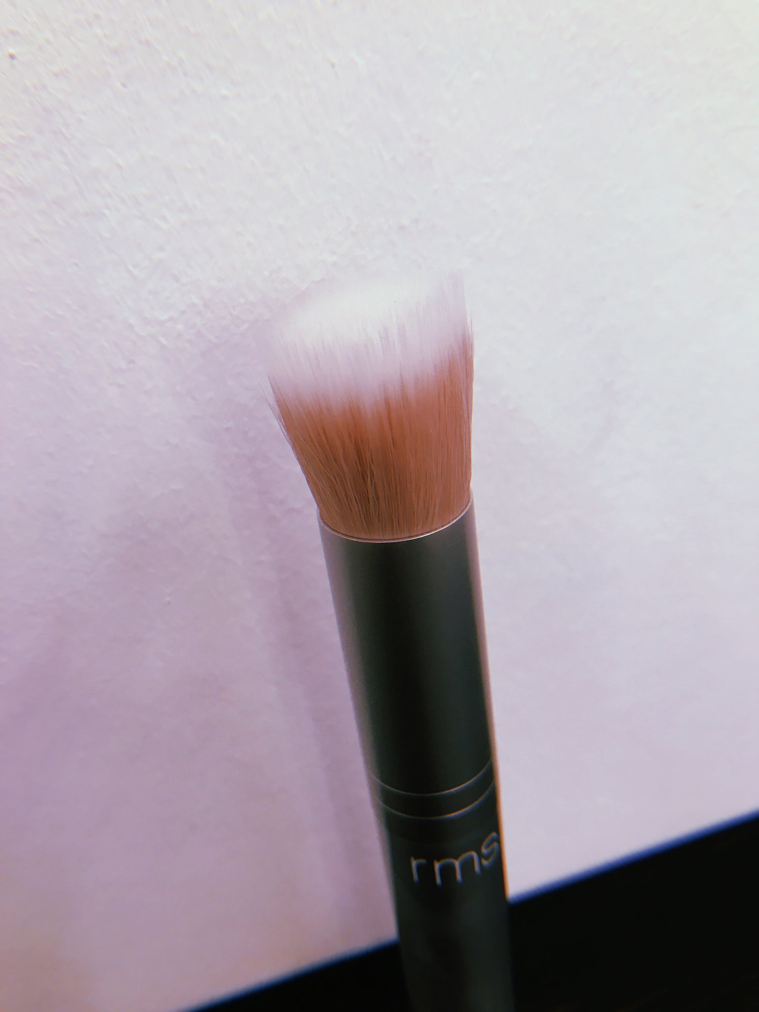 The Skin2Skin Blush Brush