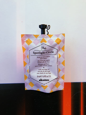 The Spotlight Circle Hair Mask