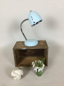 Fin lille lampe med patina