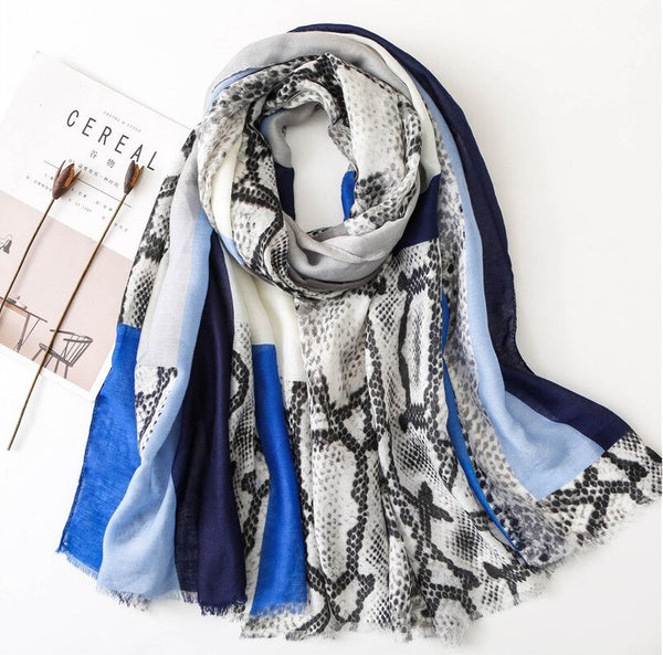 Haya Scarf in Blue