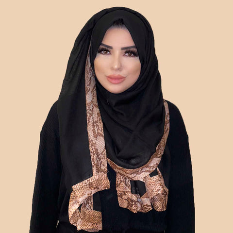 Parveen Scarf in Black