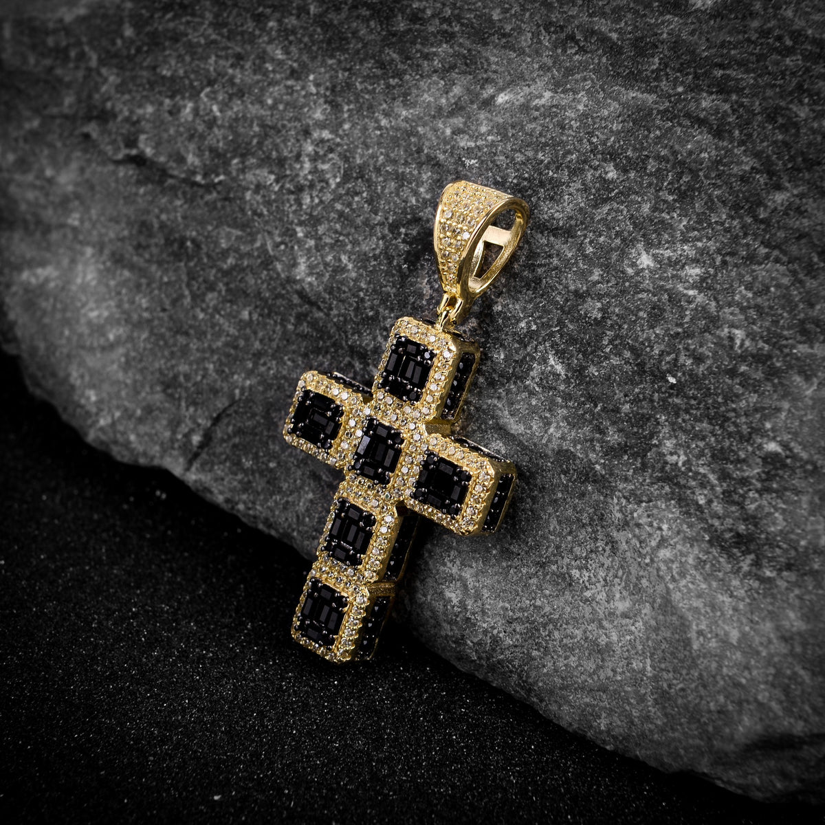 Micropaved Cross Pendant