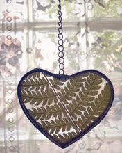 Load image into Gallery viewer, Heart Fern Ornament