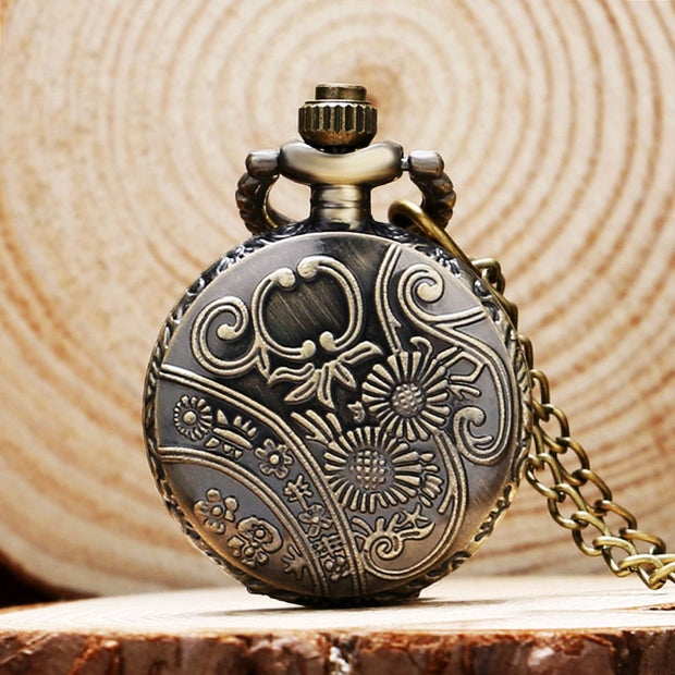 Fashion Quartz Pocket Watch Hot Selling Star Cheap Vintage Flower Hollow Out Alloy Fob Watch Vintage Necklace Pendant Gifts