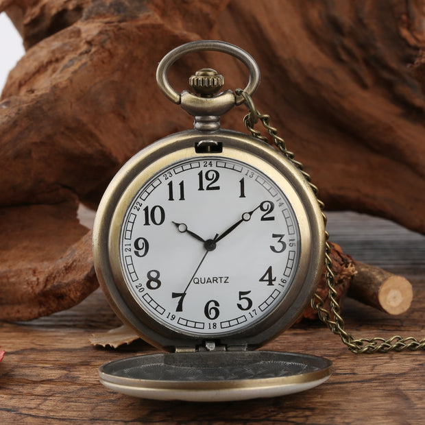 Vintage Men Pocket Watch Eagle Design White Pocket Watch For Boy Quartz Arabic Numeral Pocket Watches For Teenager