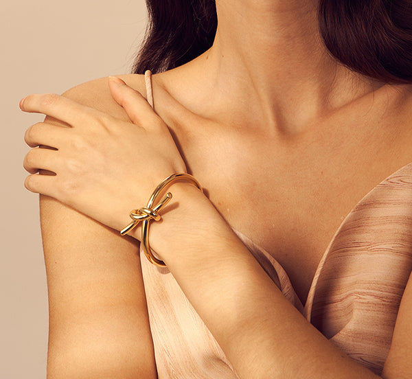 Single Knotted Gold Bracelet