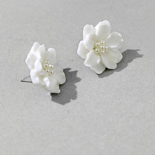 Elegant White Flower Stud Earrings