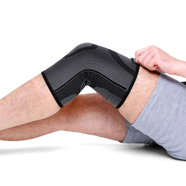 Spike Knee Cap Support for Men and Women (Black) - Spike