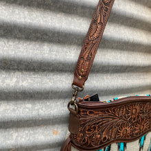 Load image into Gallery viewer, Laredo Saddle Blanket Concealed Carry Bag
