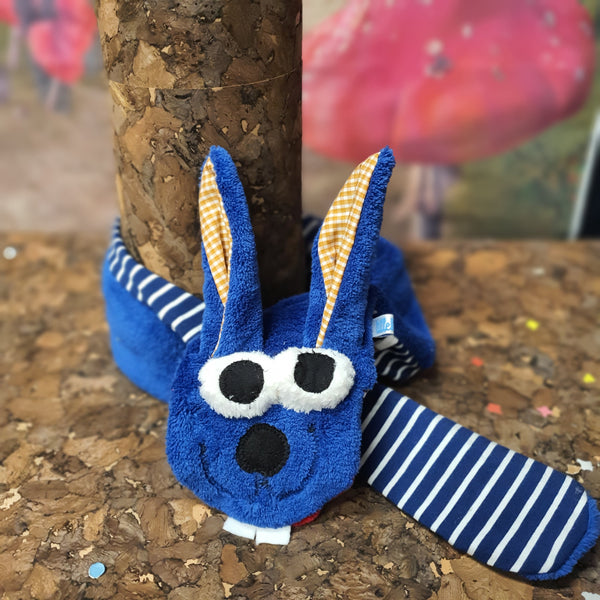 """Hase Hugo"" in Royal-blau"