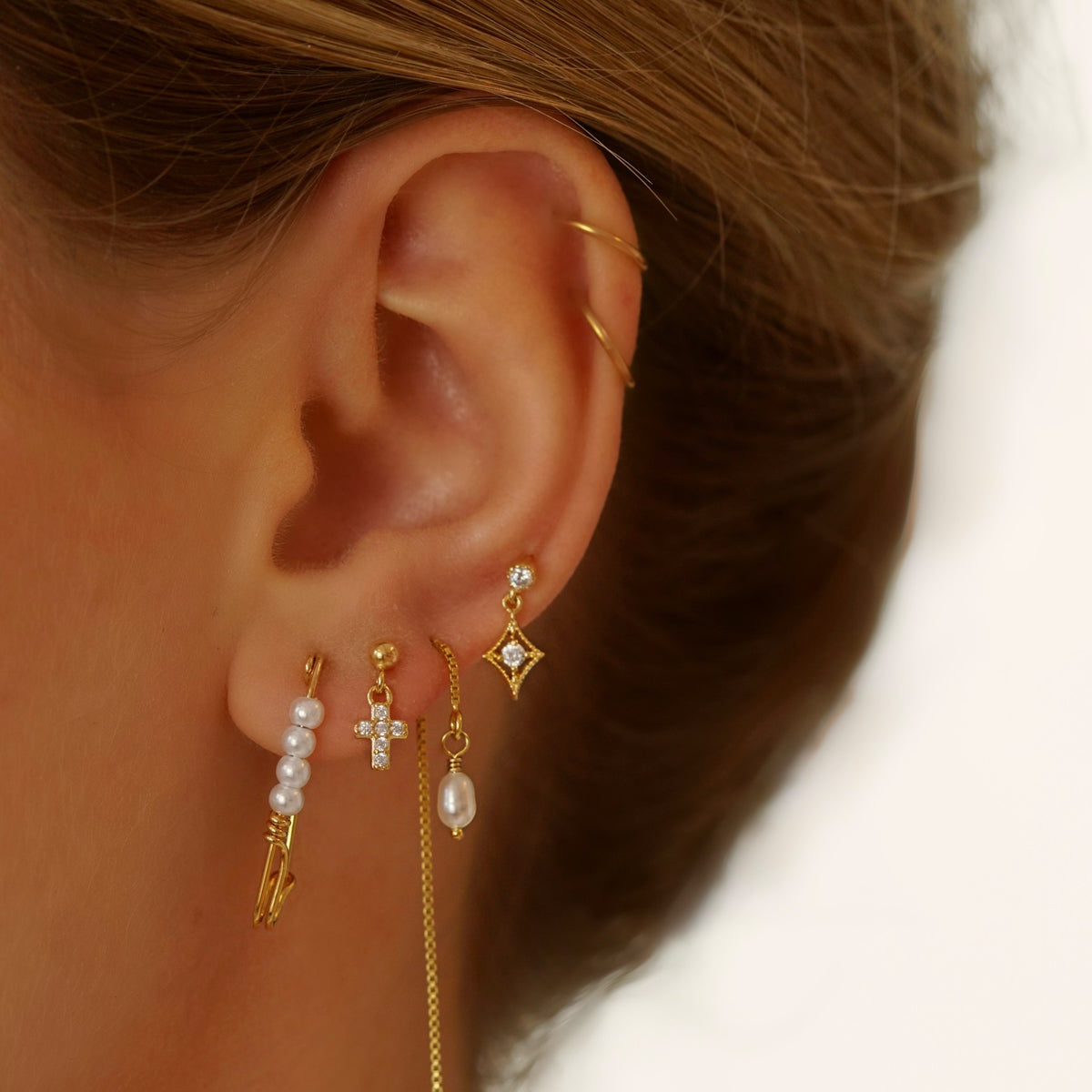 Silver Sparkling Cubic Earpin