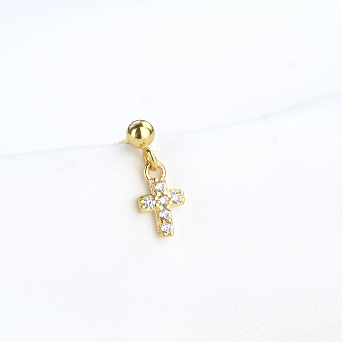 Sparkling Cross Earpin