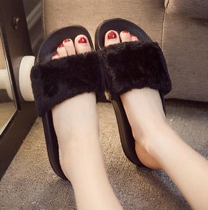 Hot Faux Fur Slides