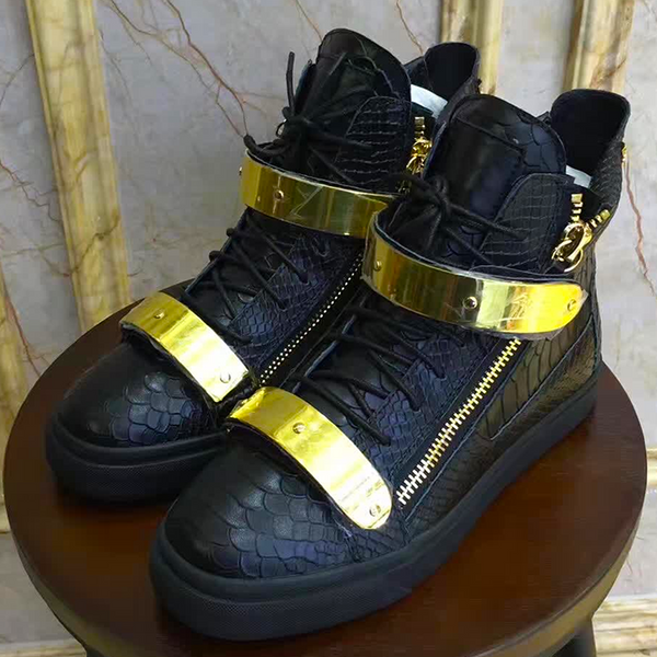 New Trendy high top buckle  shoe 25