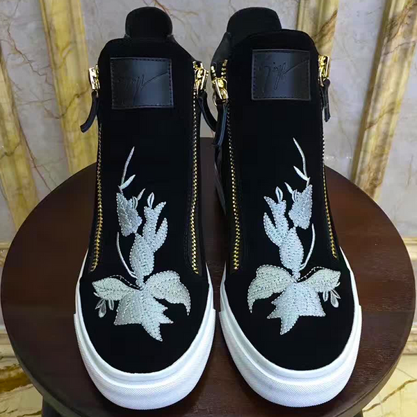 New Trendy high top buckle  shoe 32