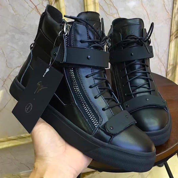 New Trendy high top buckle  shoe 18