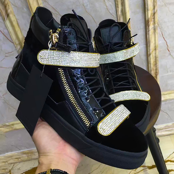 New Trendy high top buckle  shoe 30