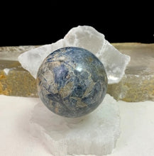 Load image into Gallery viewer, Kyanite Sphere