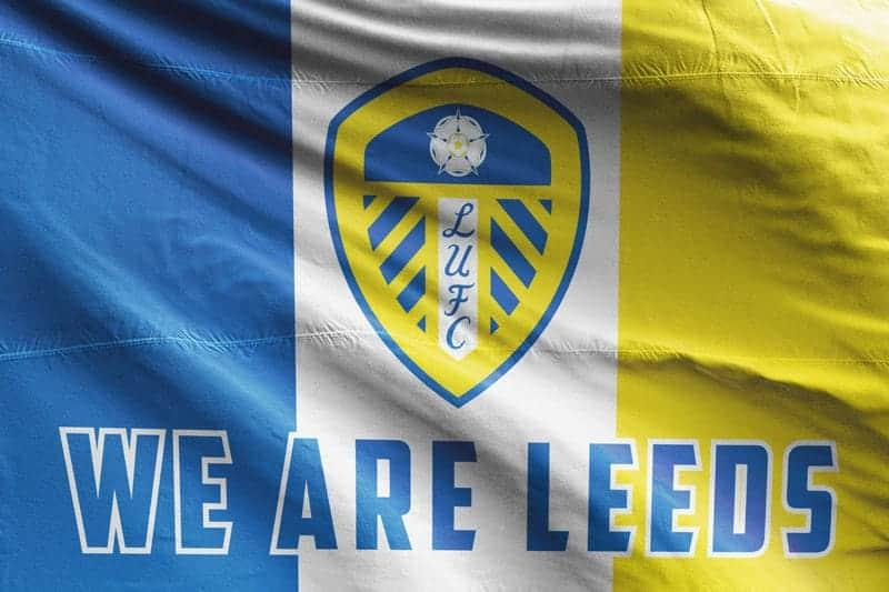 LEEDS UNITED SERVICE CREW 3 X 5FT FLAG//BANNER
