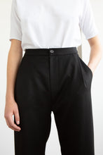 Load image into Gallery viewer, STAN Wool Pleated Trousers